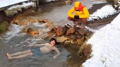 Willy Bárcenas se sumerge en las aguas heladas de Islandia antes del nuevo lanzamiento de Taburete