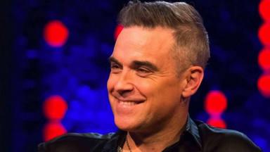 El radical cambio de imagen de Robbie Williams
