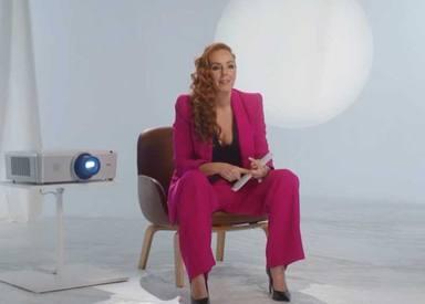 Rocío Carrasco con su ya icónico traje rosa durante el documental Rocío, contar la verdad para seguir viva