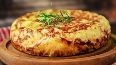 ¿Cómo se hace una tortilla de patatas light?
