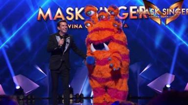 Los investigadores de 'Mask Singer' revelan el gran misterio con la ayuda de un nuevo miembro