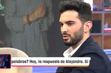 Suso Álvarez relatando la dura pérdida de un amigo en un accidente de moto en el plató de Viva la vida