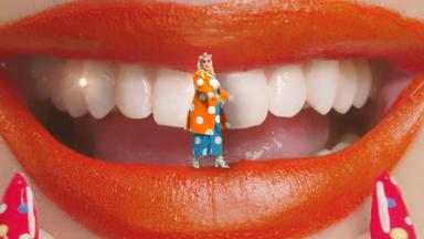 """""""Smile"""", la canción de Katy Perry, tiene un videoclip oficial cargado de color y sonrisas"""