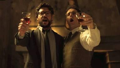El Profesor (Álvaro Morte) y Berlín (Pedro Alonso) cantan Bella ciao en La casa de papel