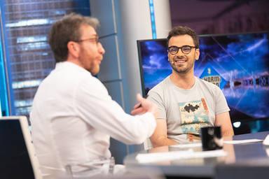 Pablo Díaz junto a Pablo Motos durante su entrevista en El Hormiguero tras ganar el bote de Pasapalabra