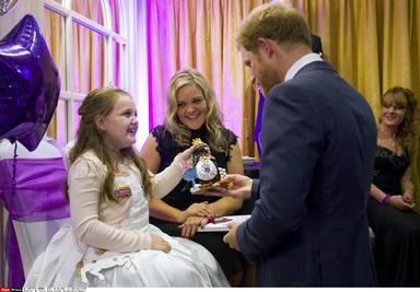 El príncipe Harry conoció a Holly Smallman en 2015