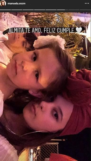Manuela, la hija de Alejandro Sanz, felicita a su hermana Alma