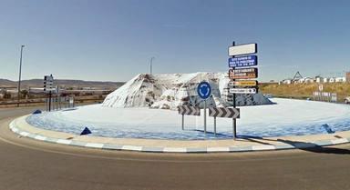 El ranking de los monumentos más horrorosos en las rotondas de España