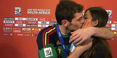 El beso que cambió para siempre la vida de Sara Carbonero e Iker Casillas