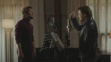 """Raphael y Manuel Carrasco cantan, por sorpresa, """"Me olvidé de vivir"""" de Johnny Hallyday y Julio Iglesias"""