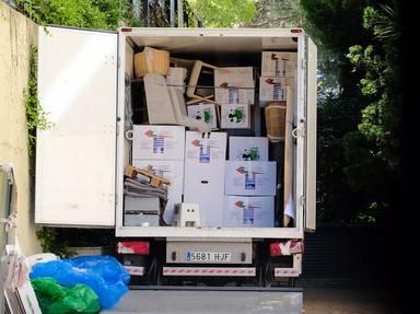 Camión de la mudanza con las pertenencias de Mila Ximénez en Madrid
