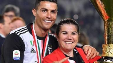 Cristiano Ronaldo junto a su madre, Dolores Aveiro, a la que le impide ver sus partidos decisivos