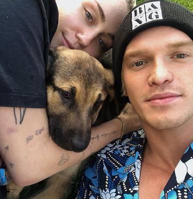 Miley y Cody dan la bienvenida a Bo, su nuevo cachorro