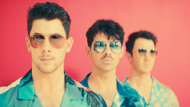 """Jonas Brothers ponen todo el ritmo que necesitamos para hoy con """"Only Human"""""""