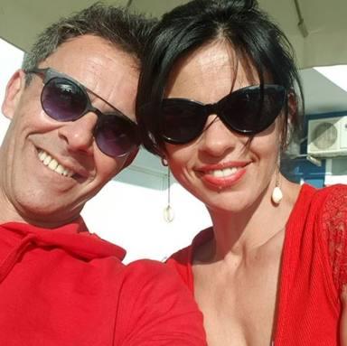Alonso Caparrós se vuelca en su mujer Angélica en los momentos complicados