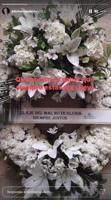 Kiko Hernández comparte esta significativa corona de flores del funeral de Mila Ximénez
