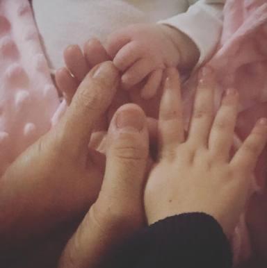 La imagen con la que Pastora Soler anunció la llegada de su hija Vega