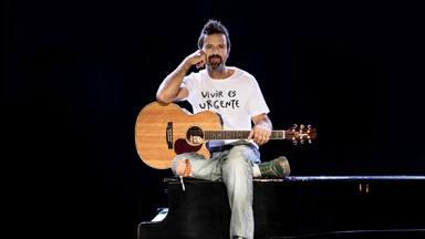 Pau Donés con esa camiseta con la que se ha recaudado más de medio millón para la investigación del cáncer